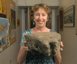 07172012-lynn-gamble-chumash-artifacts-008-t479.jpg