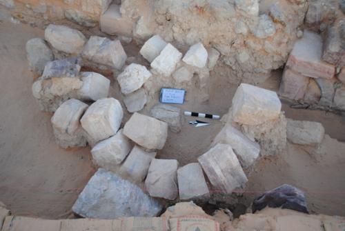 12-archaeologis-1.jpg