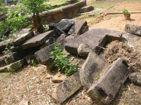 13tvpd-ruins-of-te-1617353g.jpg