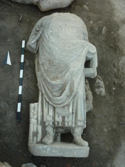 14-statue-b-120917.jpg
