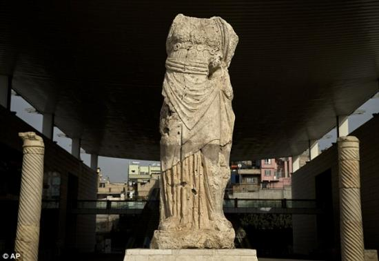1416093108178 wps 4 a roman statue decorates