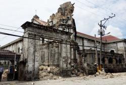 20131015-basilica-sto-nino-quake-jose-faruggia-01.jpg
