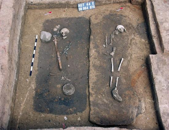 206799-unusual-treasure-laden-viking-era-cemetery-discovered-in-poland.jpg