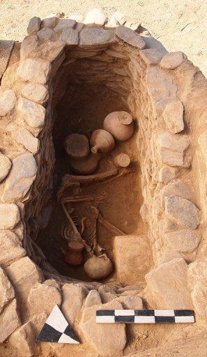 26-archaeologis.jpg