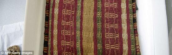 26d8608600000578 3004821 a pre inca shoulder bag is among the haul of historical items di a 96 1426895200752