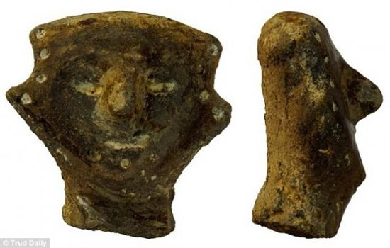 2ea49bab00000578 3327210 many other artefacts including bone carving of idols pictured we a 55 1448034710217