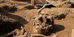 300-tombes-dans-un-cimetiere-clos-la-plus-grande-decouverte-380295-510x255.jpg