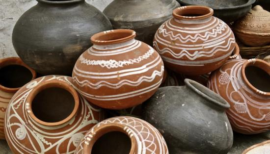 385429 pottery think
