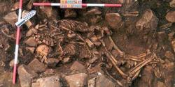 4575620 3 e67b les squelettes de ce couple enlace sont vieux f8b8eac0471195b7bd04ed893acab351