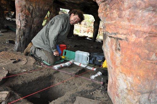 6-archaeologis.jpg