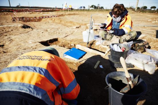 670x510-6796-vignette-fouille-archeologique-sur-le-site-d-aimargues-3-c-yannick-brossard-inrap.jpg