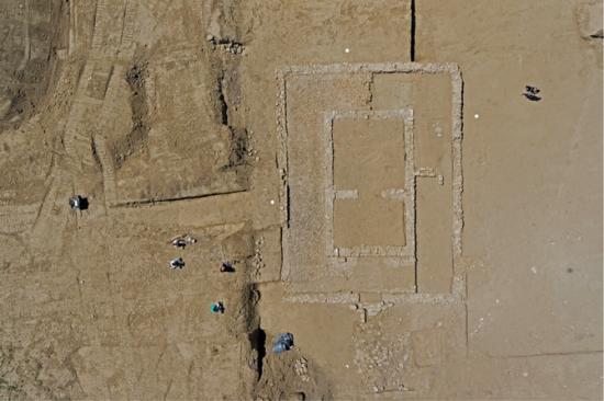 670x510-7022-vignette-vue-aerienne-du-temple-fouille-de-magalas-c-airimages-inrap.png