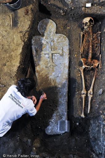 670x510 9979 vignette degagement sarcophage 2012 h paitier 3