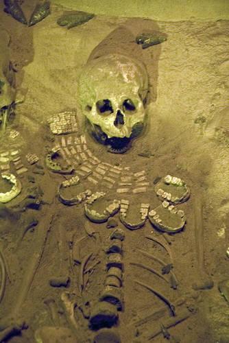 8teotihuacanburial.jpg