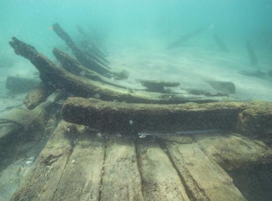 akkoshipwreck2.jpg