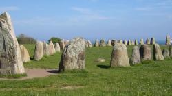 ales-stones-wikipedeia.jpg