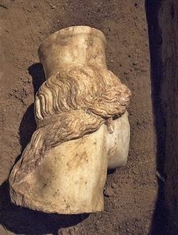 Amphipolis 21 10 8 en 256x338
