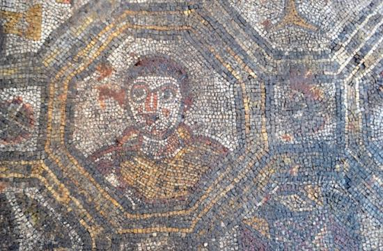 Ancient roman mosaic 670