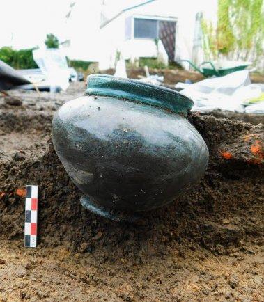 Archeologie une decouverte exceptionnelle 2890389 379x434p