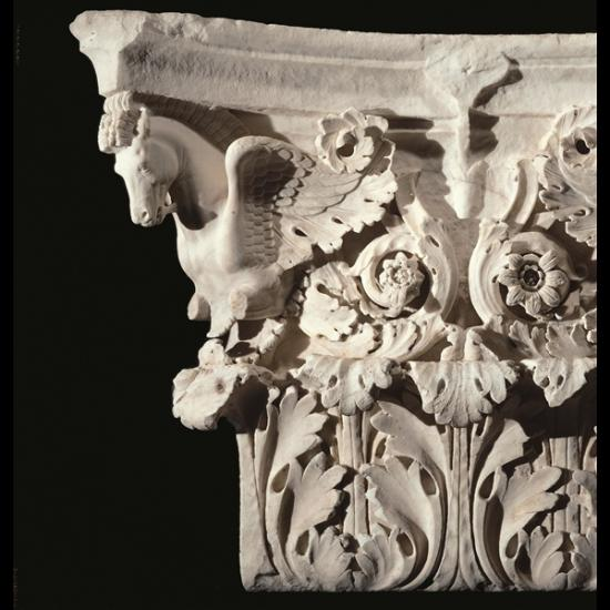 capitello-di-lesena-dal-tempio-di-marte-ultore-mercati-traiano-part.jpg