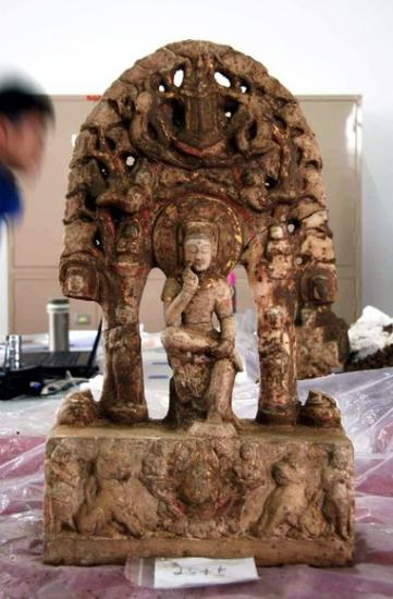 china-buddhas-found-table-50926-600x450.jpg