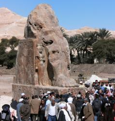 colossal-statue-of-amenhotep-iii-13.jpg