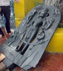 De15 idol jpg 1950240e