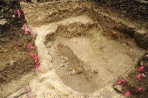 Early burial placed in an underground cavity at ceibal c 500 bc photo by takeshi inomata 1