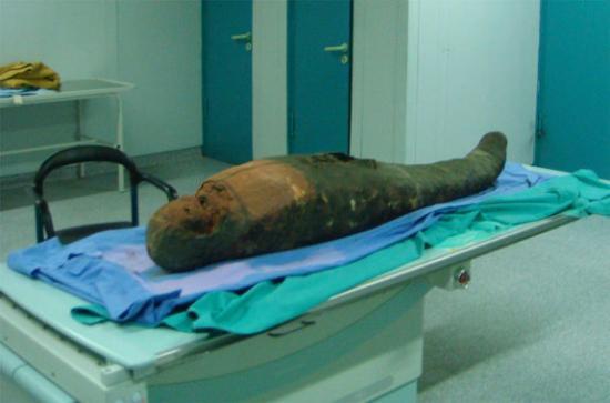 female-egyptian-mummy.jpg
