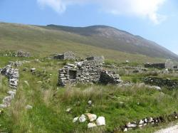 Fig 3 part of the deserted village on slievemore 0