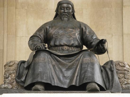 genghis-khan-statue-110208-01.jpg
