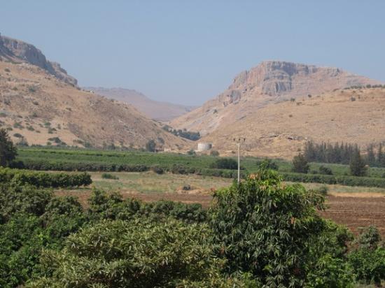 ginosaur-valley-israel.jpg