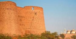 Govt issues rs 6m to restore derawar fort in cholistan 1438612953 6220