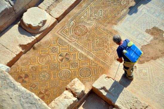 Image 5574 2 doliche mosaic