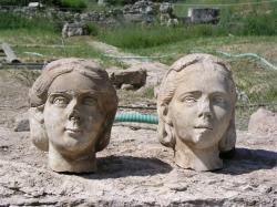 kerameikos-heads.jpg