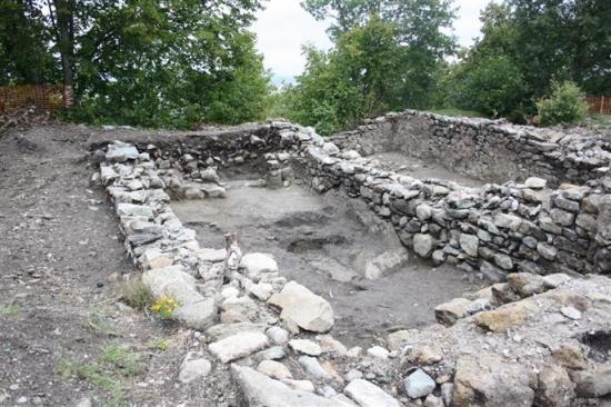 le-chantier-de-fouilles-a-ete-rouvert-lundi-et-des-visites-guidees-sont-planifiees-pour-ouvrir-le-si-1.jpg