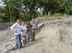 le-maire-christian-durand-laure-gautier-deux-archeologues-nathalie-molina-et-thomas-navarro-sur.jpg
