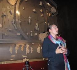 mary-sainsous-attachee-de-conservation-au-musee-clunisois-a-presente-les-details-de-la-reconstitut.jpg