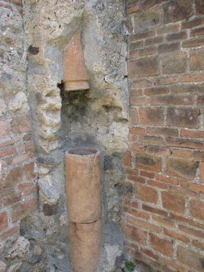 masonry-downpipe-130110.jpg