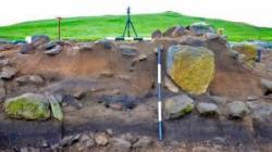 neolithic-dig-site-at-an-doirlinn-300x168.jpg