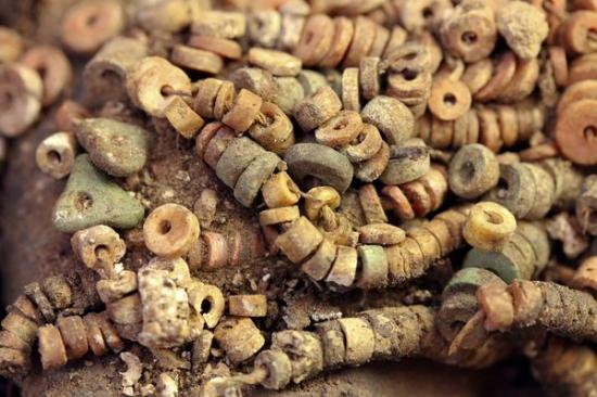 new-untouched-royal-tomb-peru-beads-68841-600x450.jpg