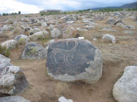 petroglyphs-600x449.jpg
