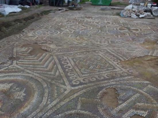 Plovdiv basilica mosaics 1