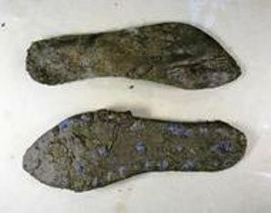 roman-shoes-found-fort-41468-200x150.jpg