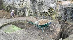 Sous le chateau les vestiges dun camp romain