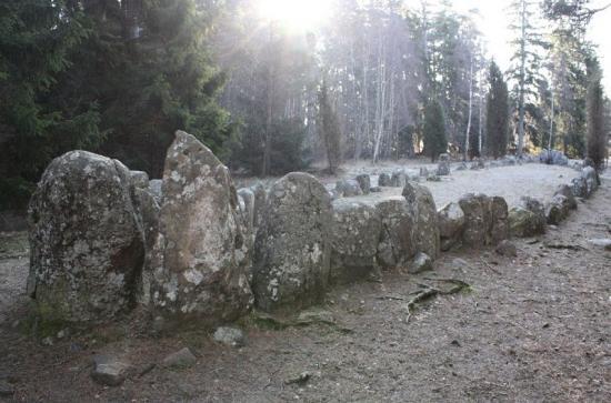 stone-ship-2.jpg