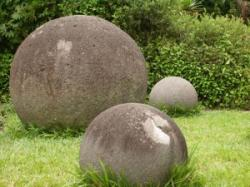 stone-spheres-costa-rica-300x225.jpg