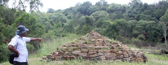Stupa with ashes pf arahat mahinda