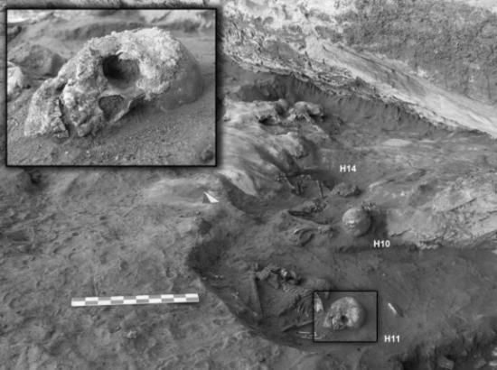 takarkori-skeletons-sahara.jpg