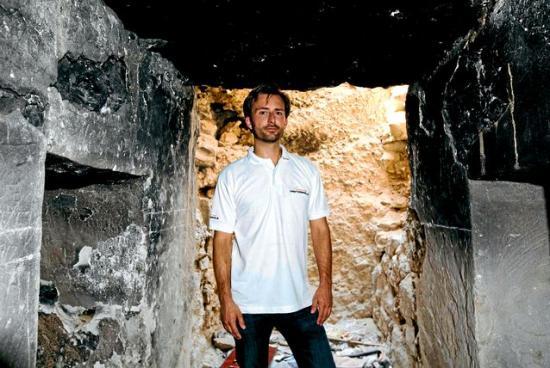 tomb-raiders-3.jpg